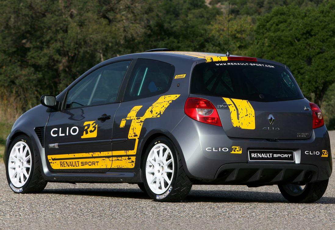 Новый Рено Клио RS фото вид сзади