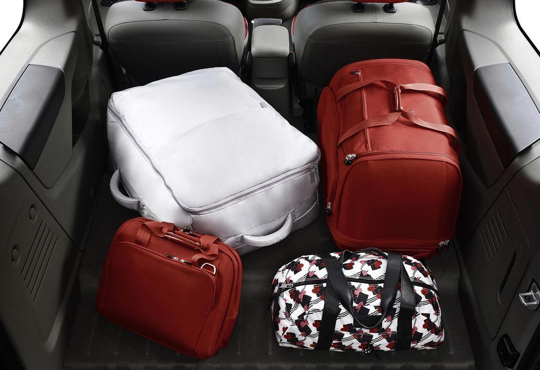 Вместительный багажник для чемоданов Рено Кангу