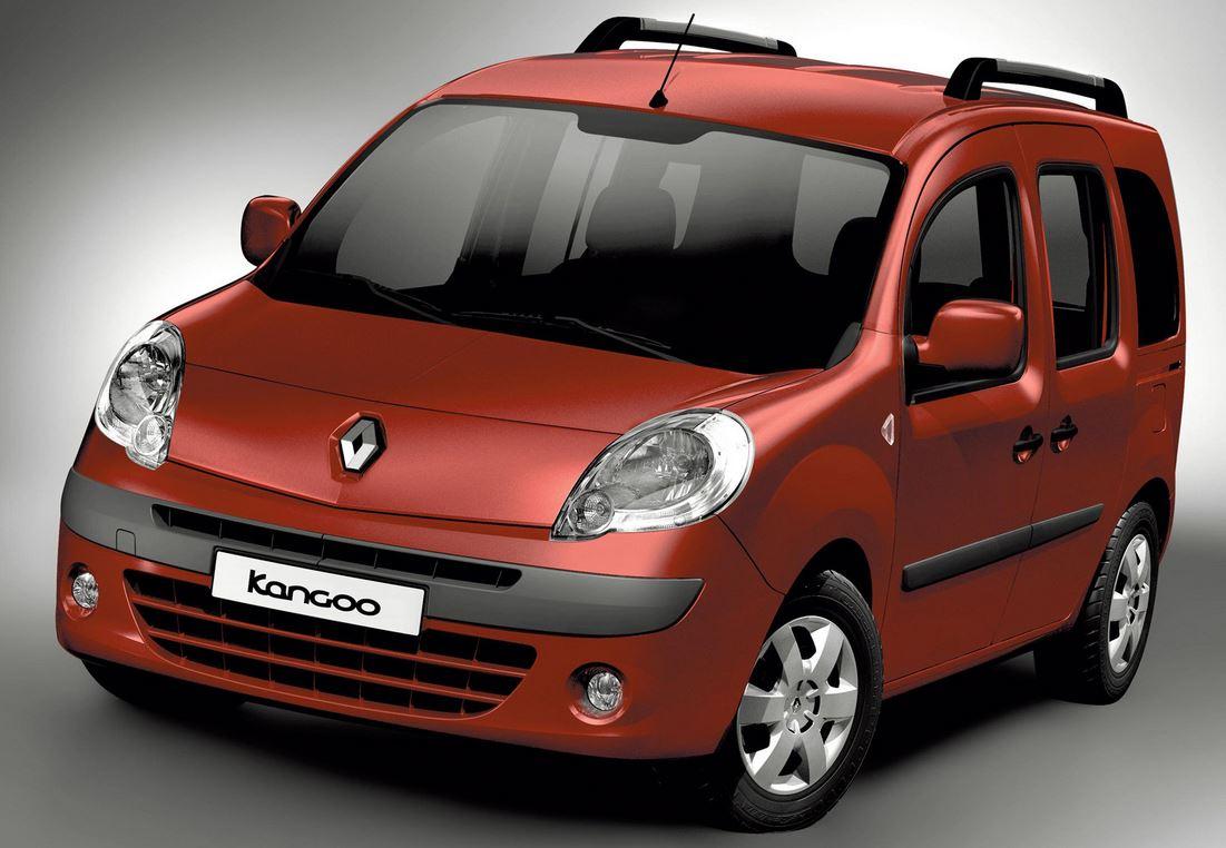 Глазастая красная Renault Kangoo вид спереди