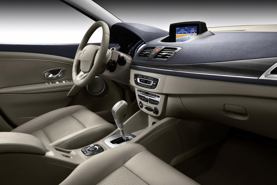 Салон Renault Megane Hatchback