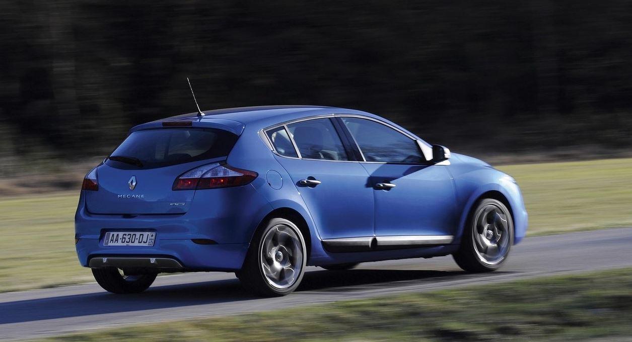 Синий 5-дверный Renault Megane Hatchback сзади