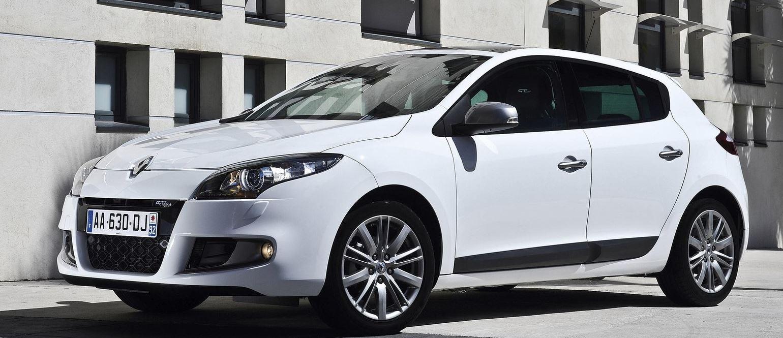 Белый 5-дверный хэтчбек Renault Megane