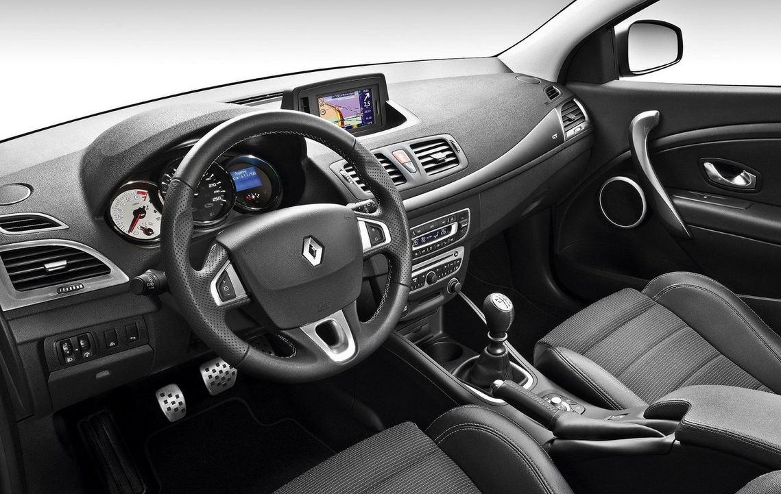 Салон внутри Renault Megane Hatchback