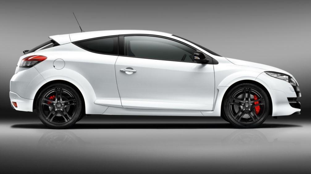 Белый Renault Megane Sport RS вид сбоку