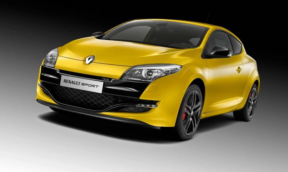 Желный Renault Megane RS вид спереди