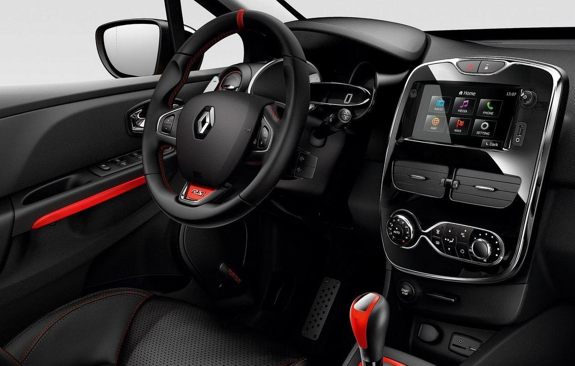 Супер навигация и руль в салоне Рено Меган RS Спорт