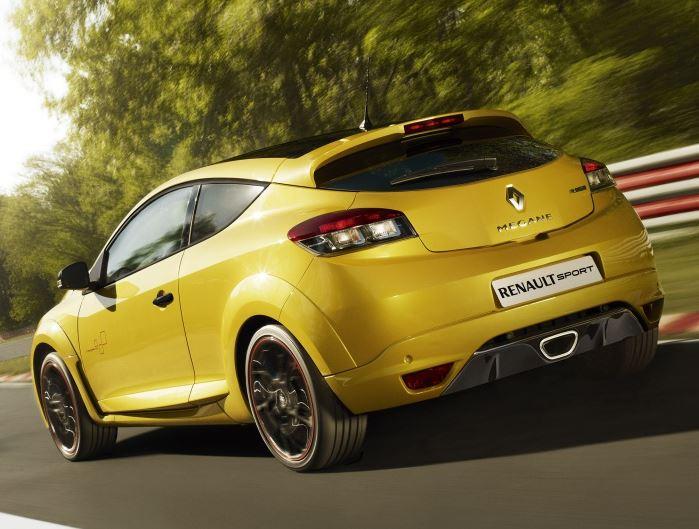 Желтый Рено Меган RS Спорт вид сзади