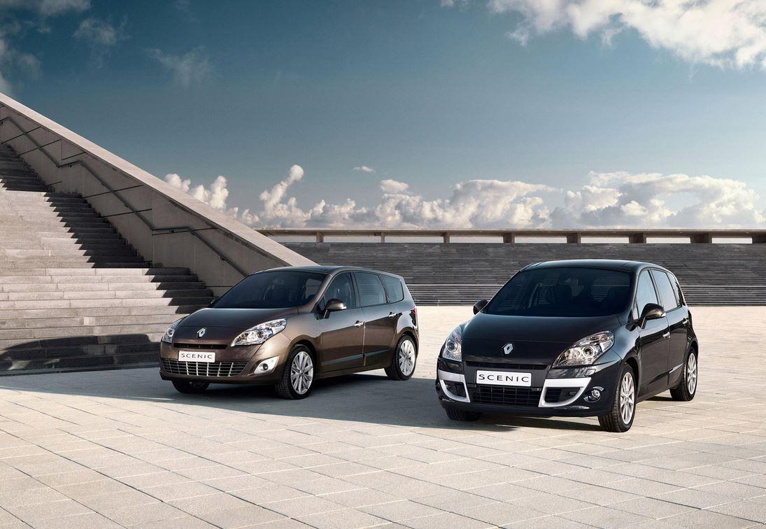 Коричневый и черный Renault Scenic