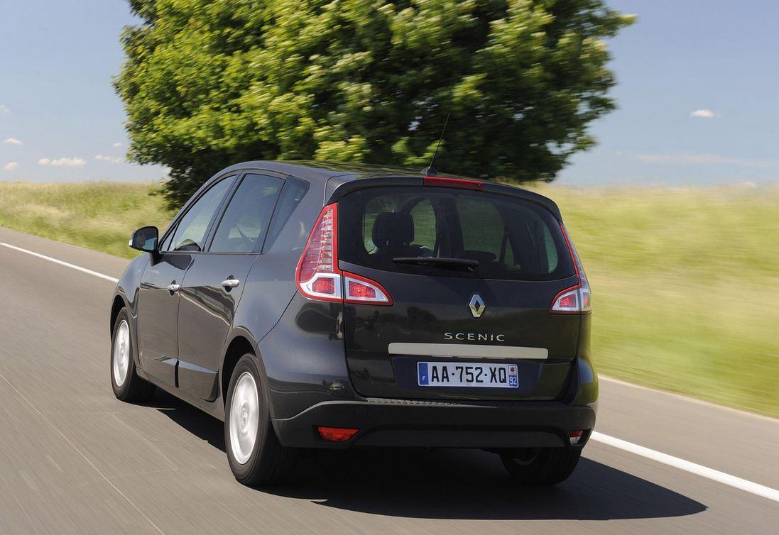 Черный Renault Scenic вид сзади