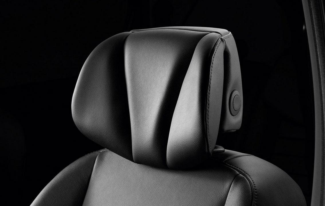 Кожаные передние сиденья Рено Сценик